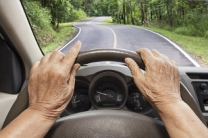 Five Serious Signs that it is Time for an Elderly Driver to Hand Over the Wheel