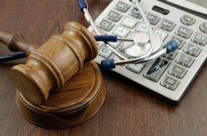pursuing-a-malpractice-lawsuit-5-things-you-need-to-know